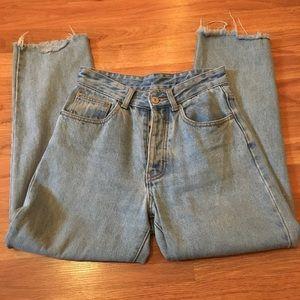 Brandy Melville Light Wash Millie Mom Jeans